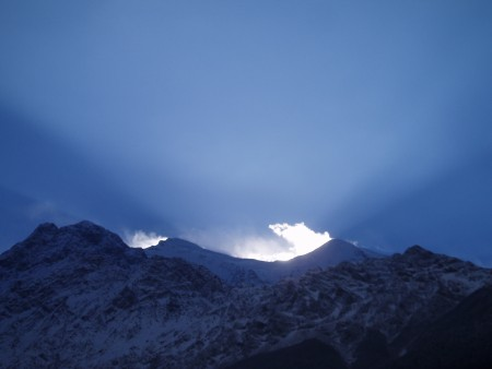 Tour des Annapurnas : Marpha   Larjung   Kalopani nilgiri lever de soleil nepal 450x338