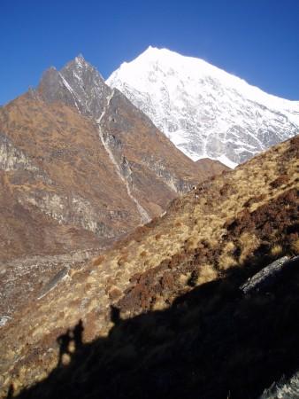 Trek dans le Langtang    Jour 6 : Ascension du Kyanjing Ri   Kyanjing Gompa   Ghora Tabela ascension kyanking ri langtang 338x450