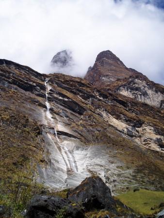 Tour des Annapurnas : Bamboo   Deurali chutes d eau deurali sanctuaire annapurna nepal 338x450