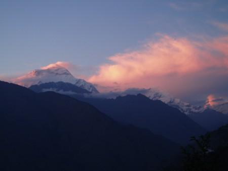 Tour des Annapurnas : Sikha   Chitre   Ghorepani coucher soleil Dhaulagiri trek jomosom nepal 450x338