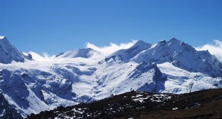 Trek dans le Langtang   Jour 5 : Ascension du Tserko Ri (4984 m) trekkers sommet tserko ri 450x241