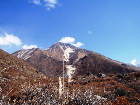 Trek dans le Langtang : Jour 4 : Langtang   Kyanjing Gompa tserko ri langtang 450x338