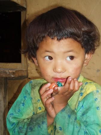 Tour des Annapurnas : Tal   Bagarchhap   Temang enfant nepalais tal nepal2 338x450