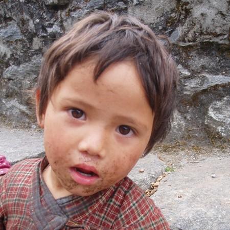 Tour des Annapurnas : Tal   Bagarchhap   Temang enfant nepalais temang nepal 450x450