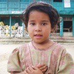 Photos de trek au Népal enfant nepalais tour des annapurnas nepal 150x150