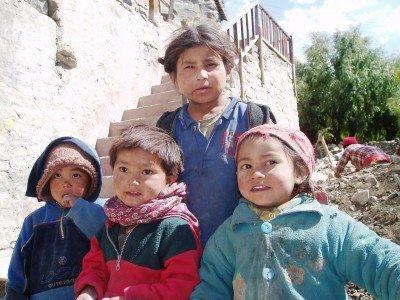 Tour des Annapurnas : Kagbeni   Jomosom   Marpha enfants nepalais kagbeni nepal  400x300
